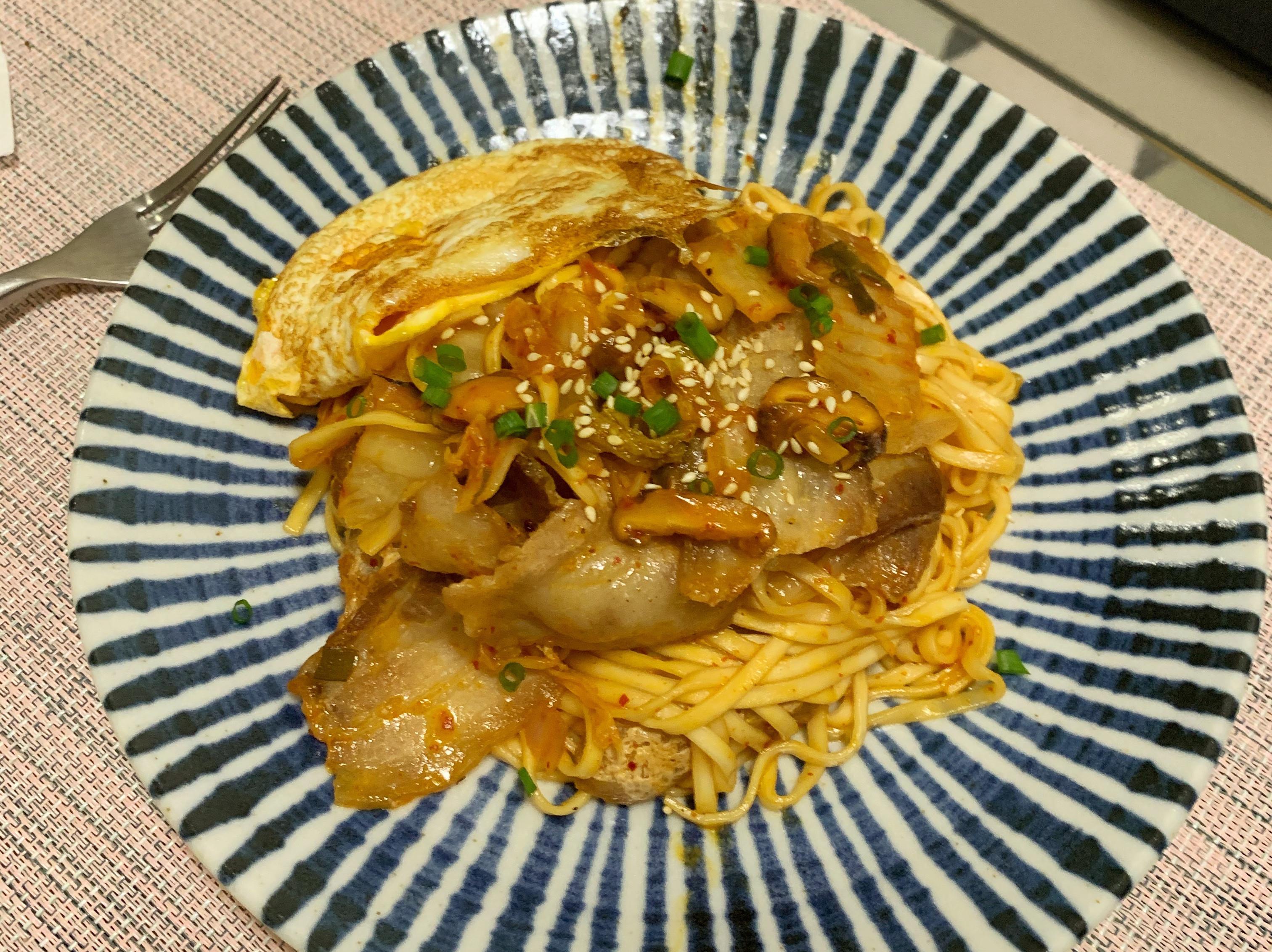 豬肉韓式泡菜炒麵