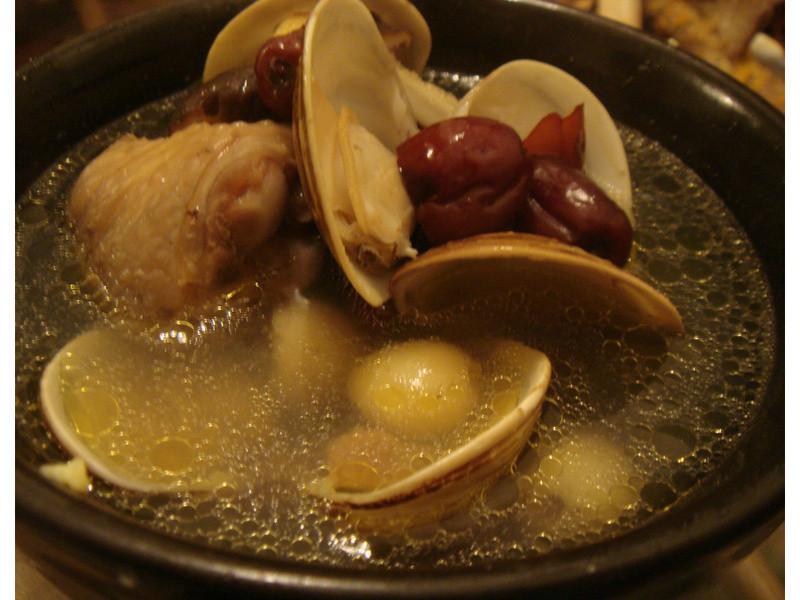 蒜頭蓮子蛤蠣雞湯