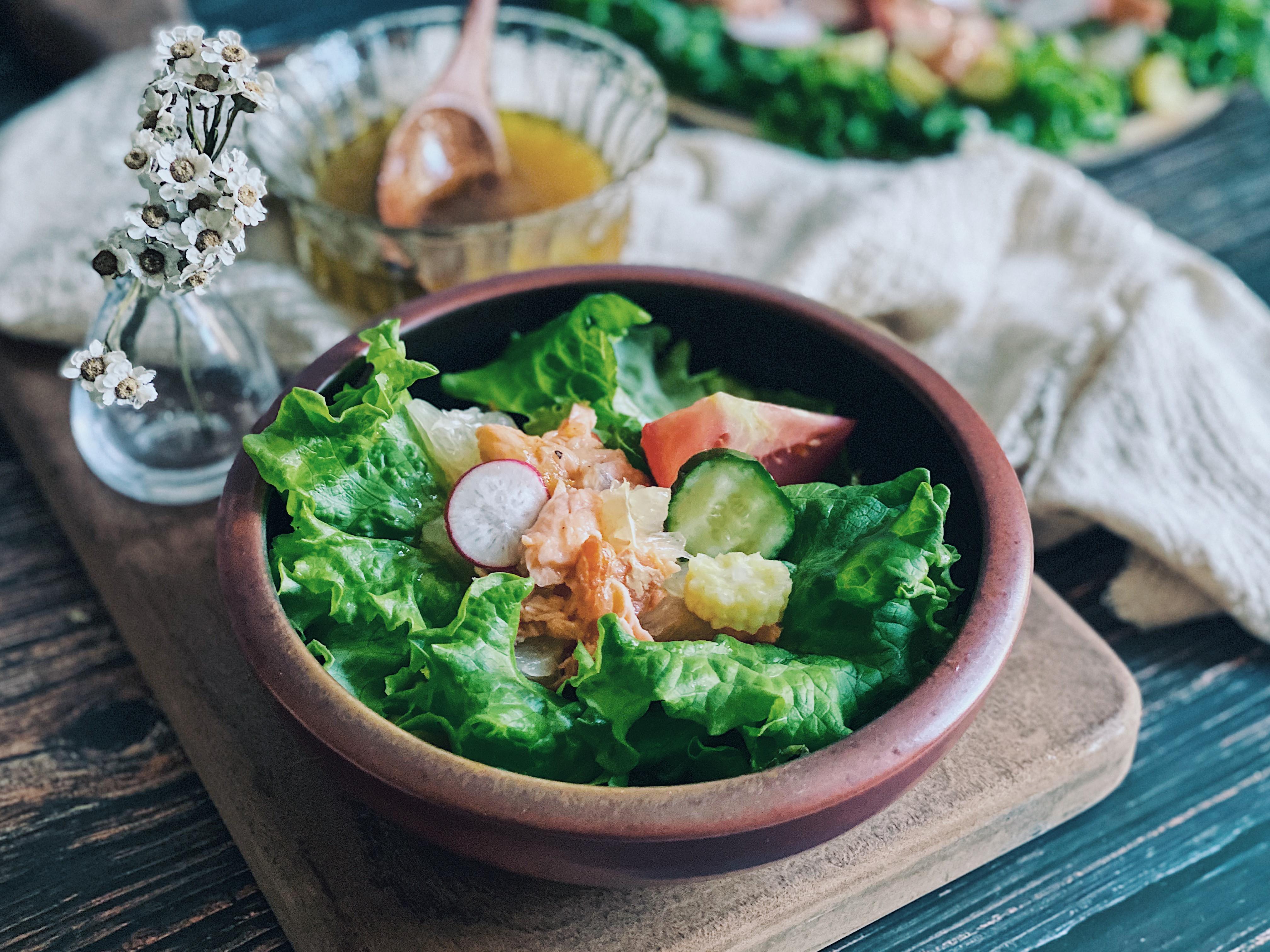 香柚熱燻鮭魚沙拉