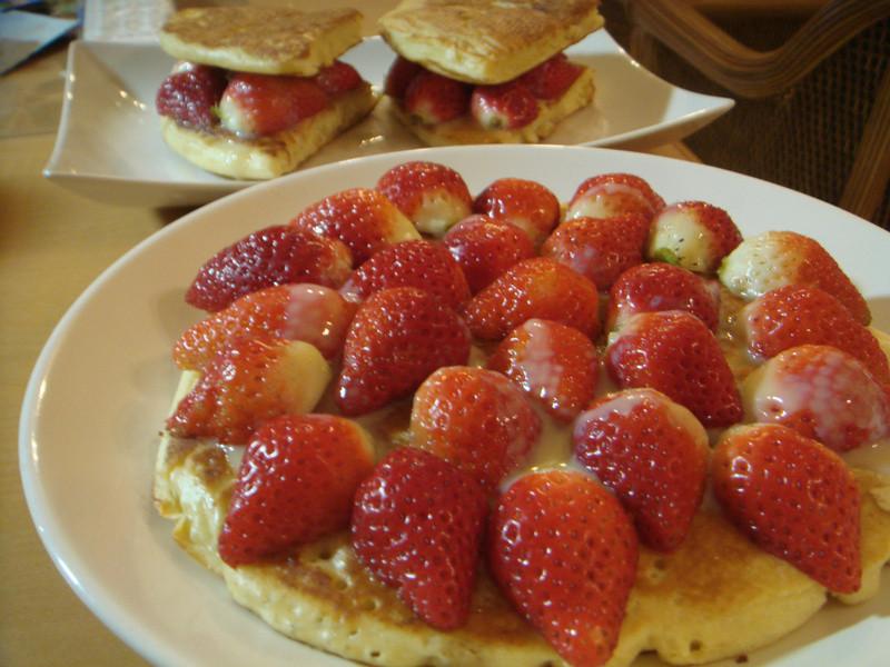 《草莓就愛鷹牌煉奶》--當草莓遇上煉奶