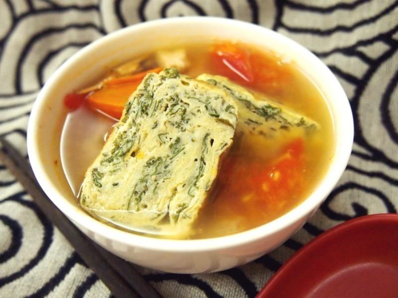 【擺浪饕餮】艾草煎蛋味增湯