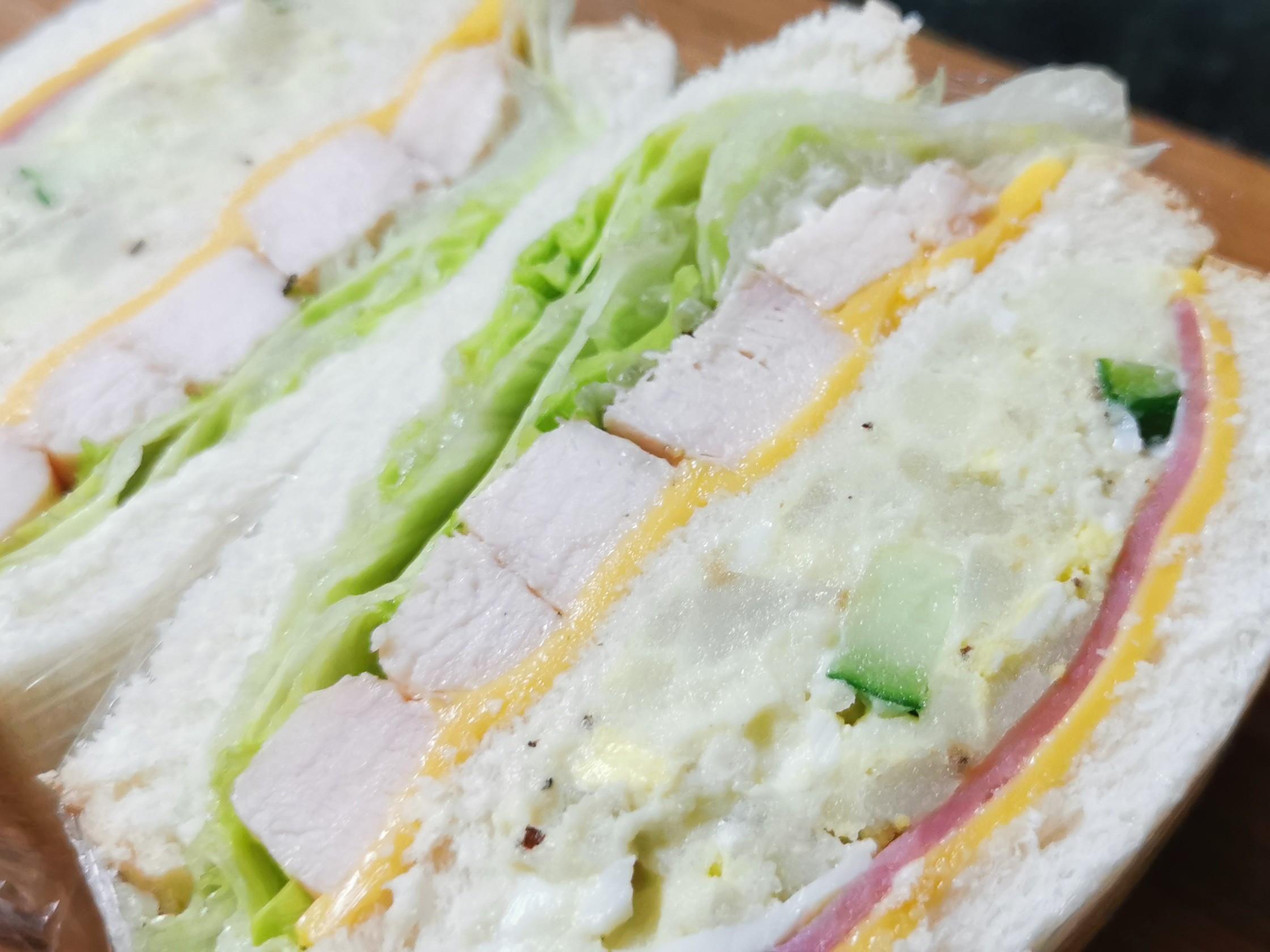 嫩雞馬鈴薯泥冷三明治