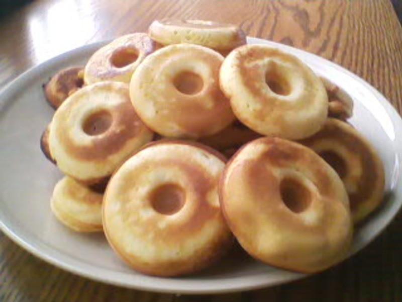 甜甜圈鬆餅早餐