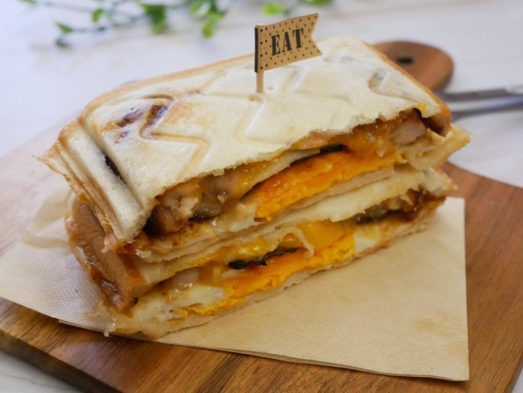 好簡單「照燒雞起士三明治」咬下滿滿的肉汁