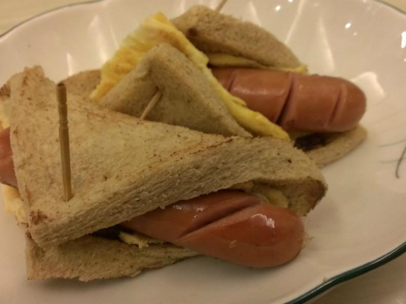 [博客] 德國香腸雞蛋三明治