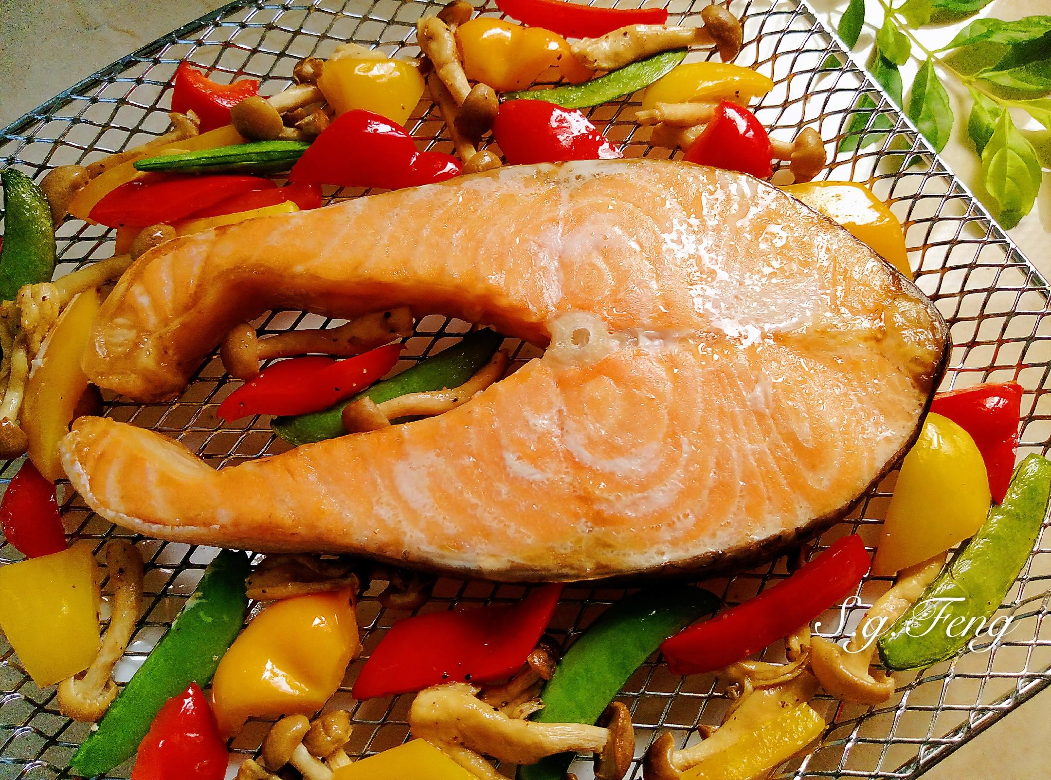 鮭魚蕈菇彩蔬(氣炸烤箱)