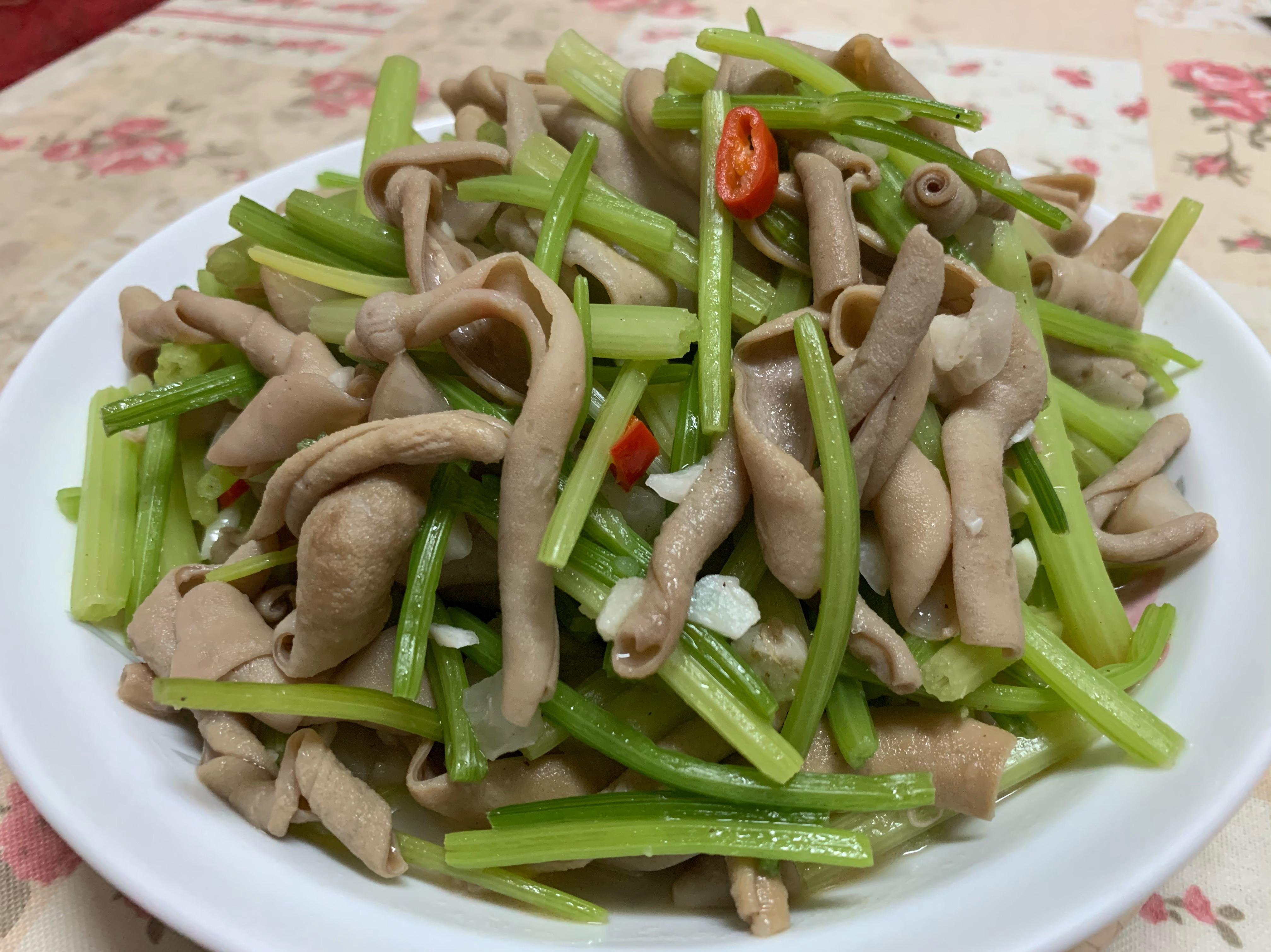 醃蘿蔔芹菜炒鴨腸