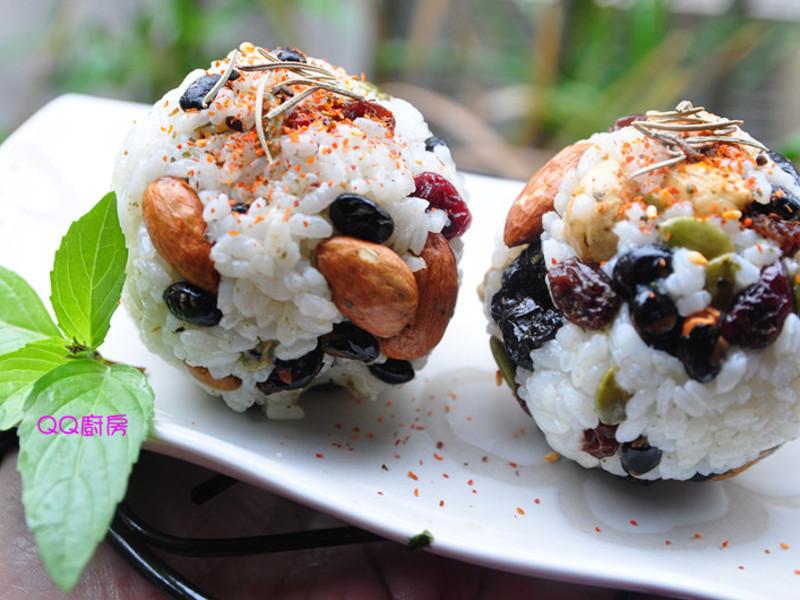 健康堅果米飯團