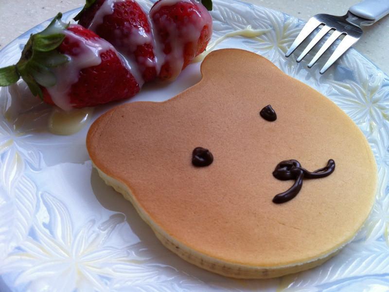 《草莓就愛鷹牌煉奶》親子DIY卡通草莓鬆餅