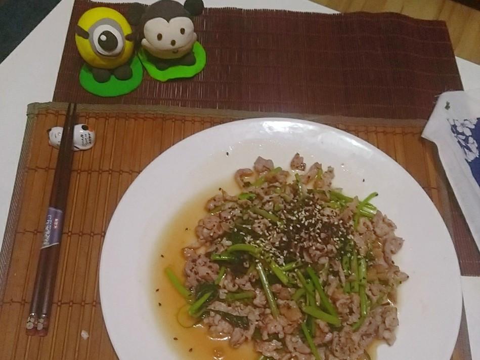 S&B柚子青辣椒醬~~肉絲炒莧菜