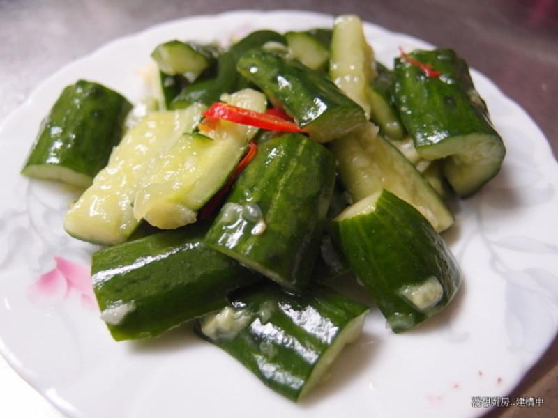 懶人料理~清脆涼拌小黃瓜