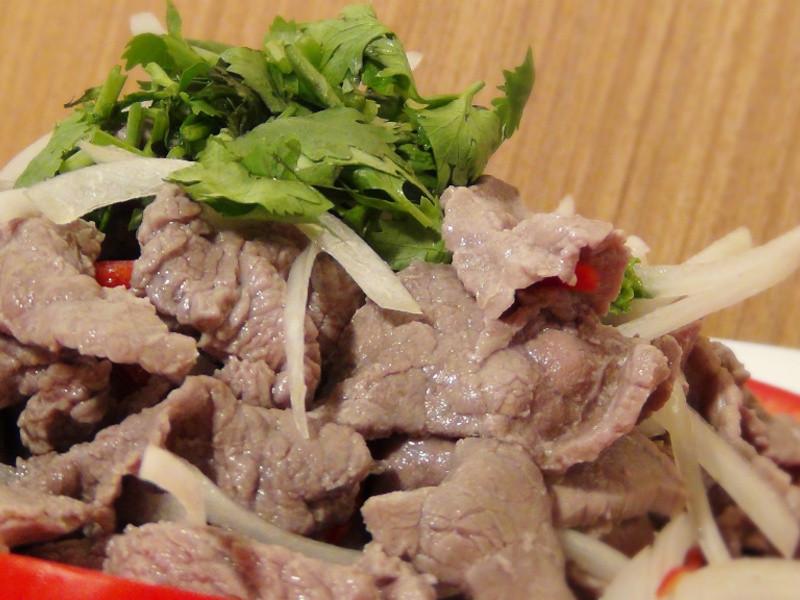 【哇菜影音食譜】泰式酸辣牛肉片