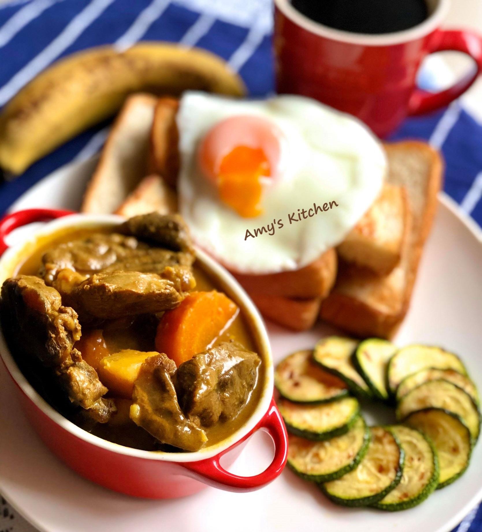 早午餐-吐司沾咖哩