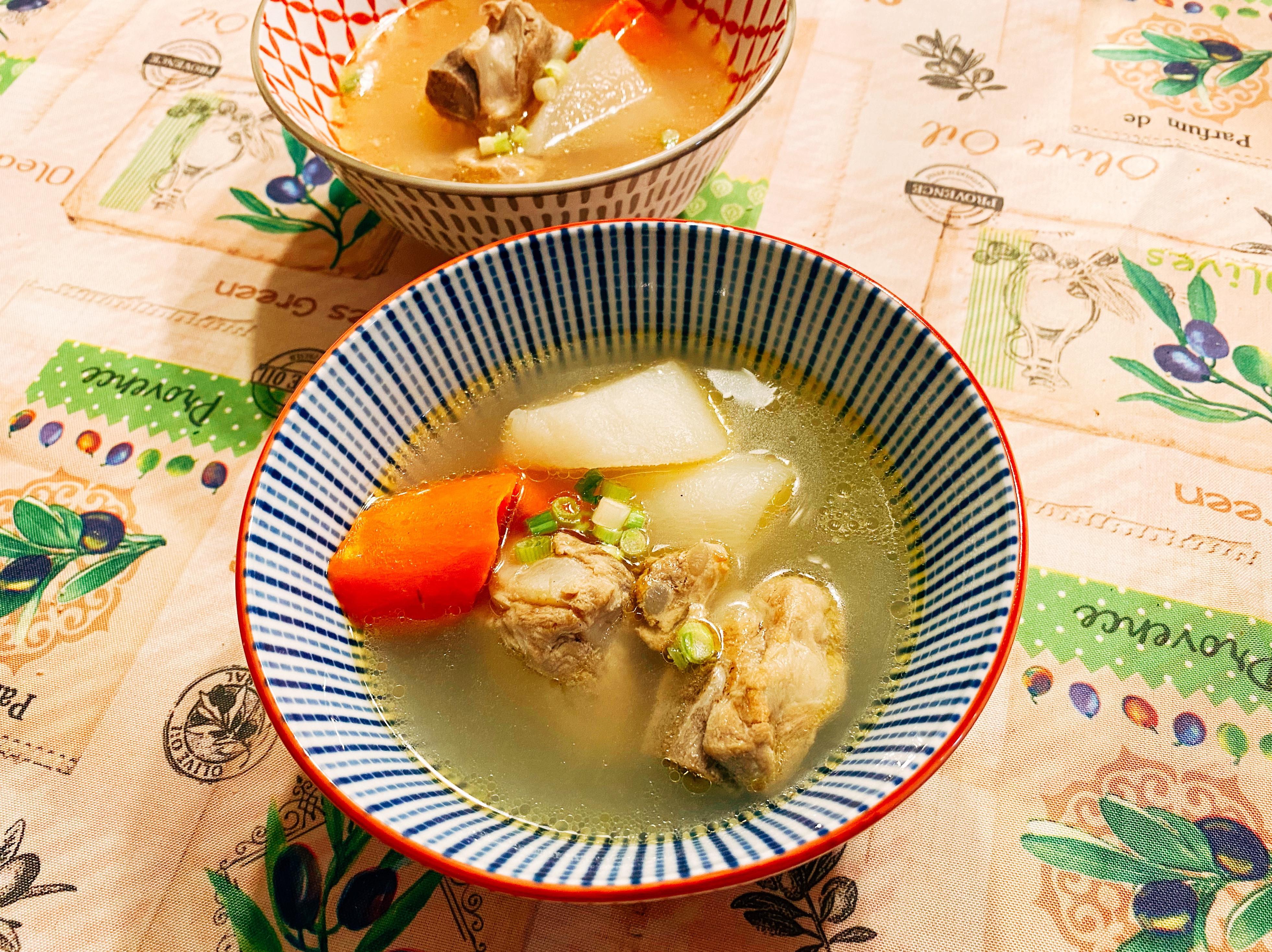 補氣雙色蘿蔔排骨湯