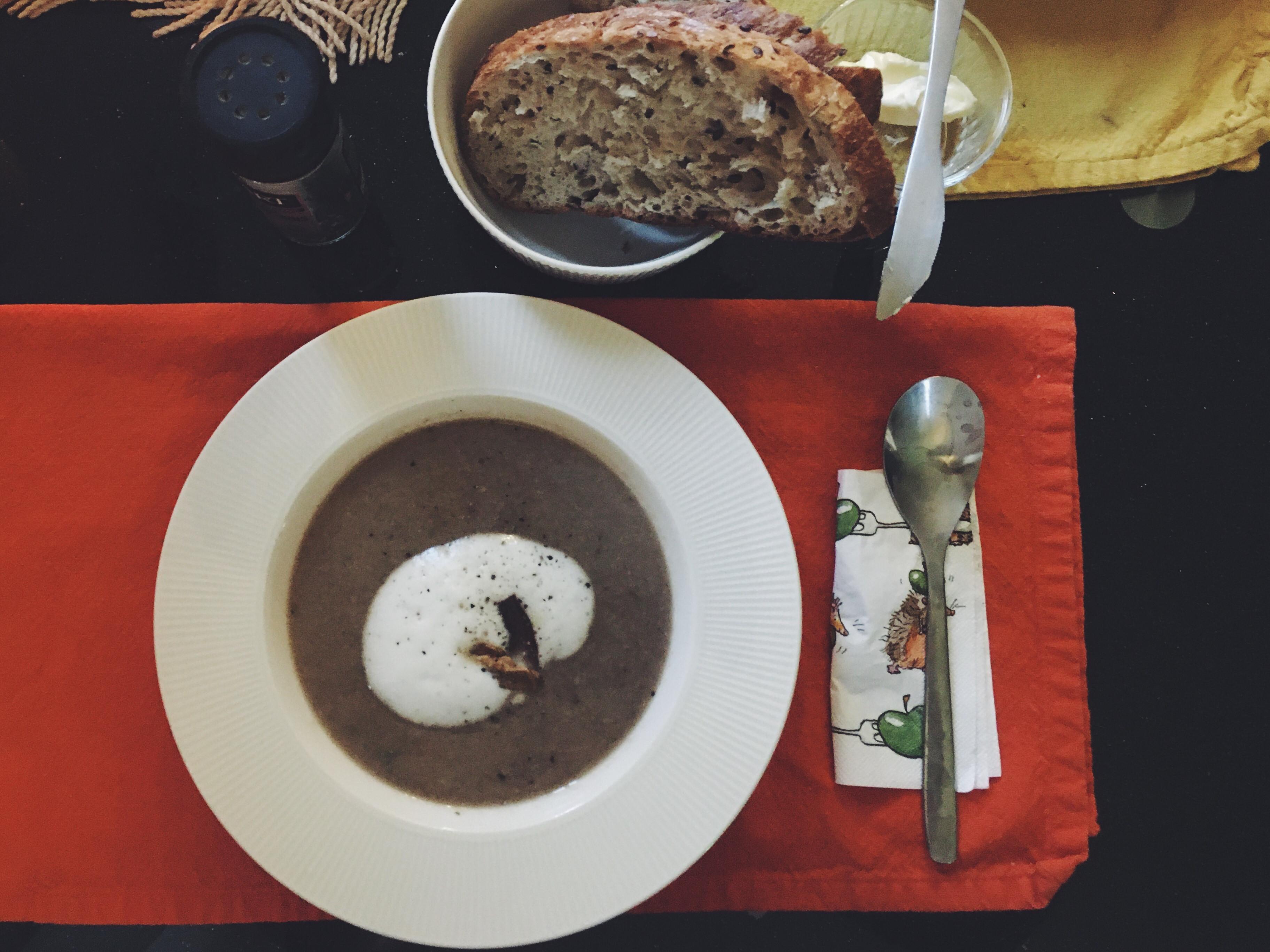 卡布奇諾牛肝菌蘑菇湯
