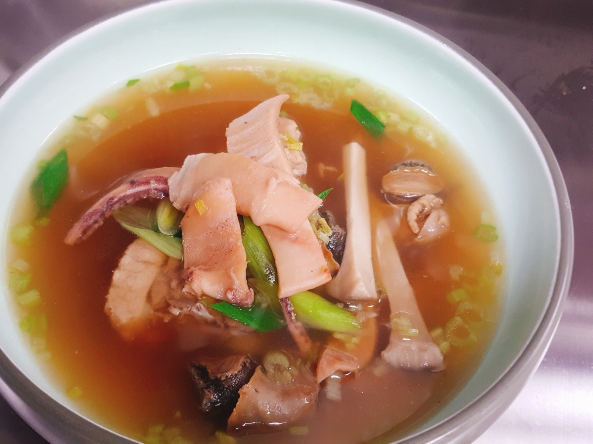 魷魚螺肉蒜鍋