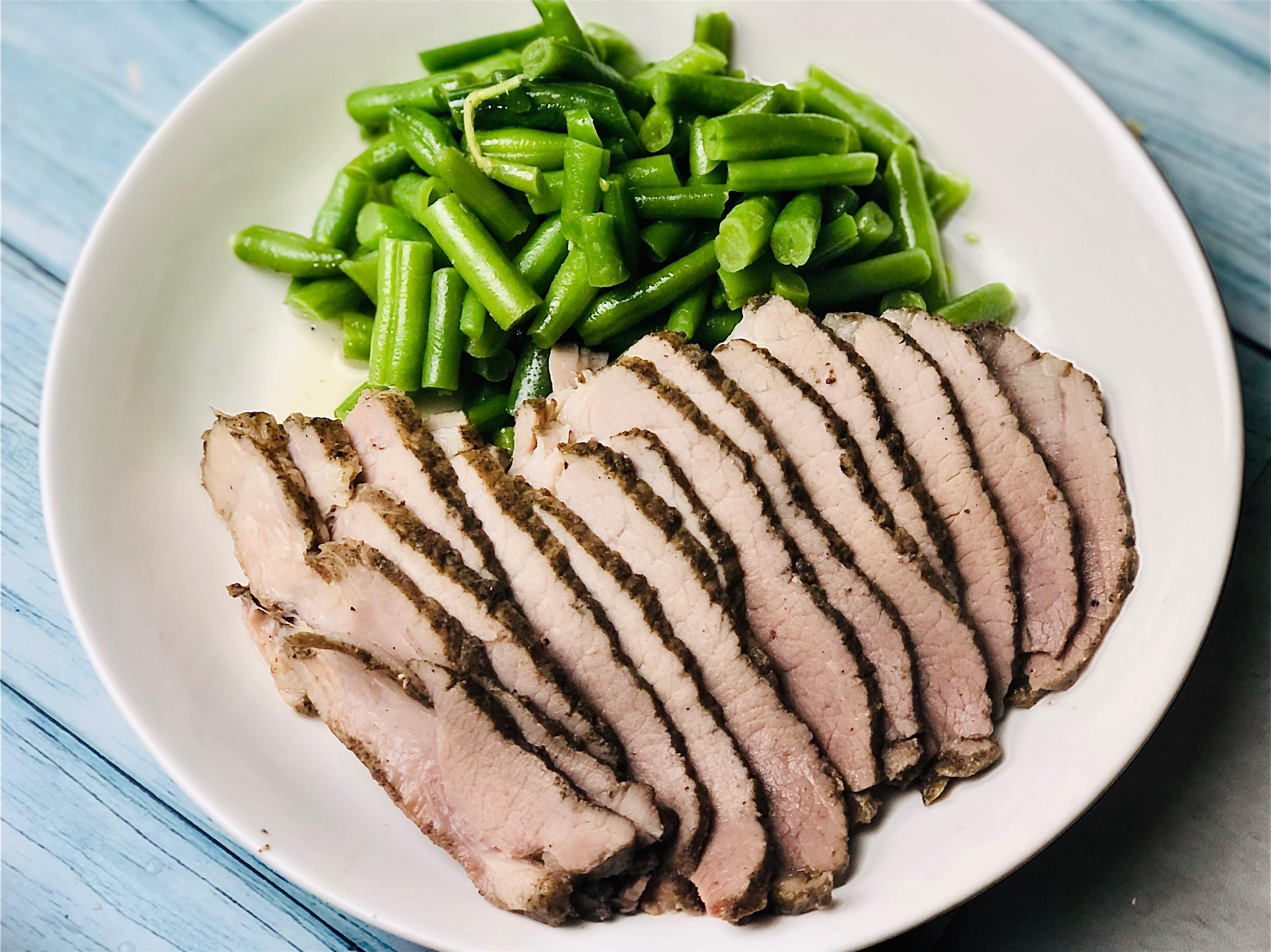 清蒸鹹豬肉佐鹽水四季豆