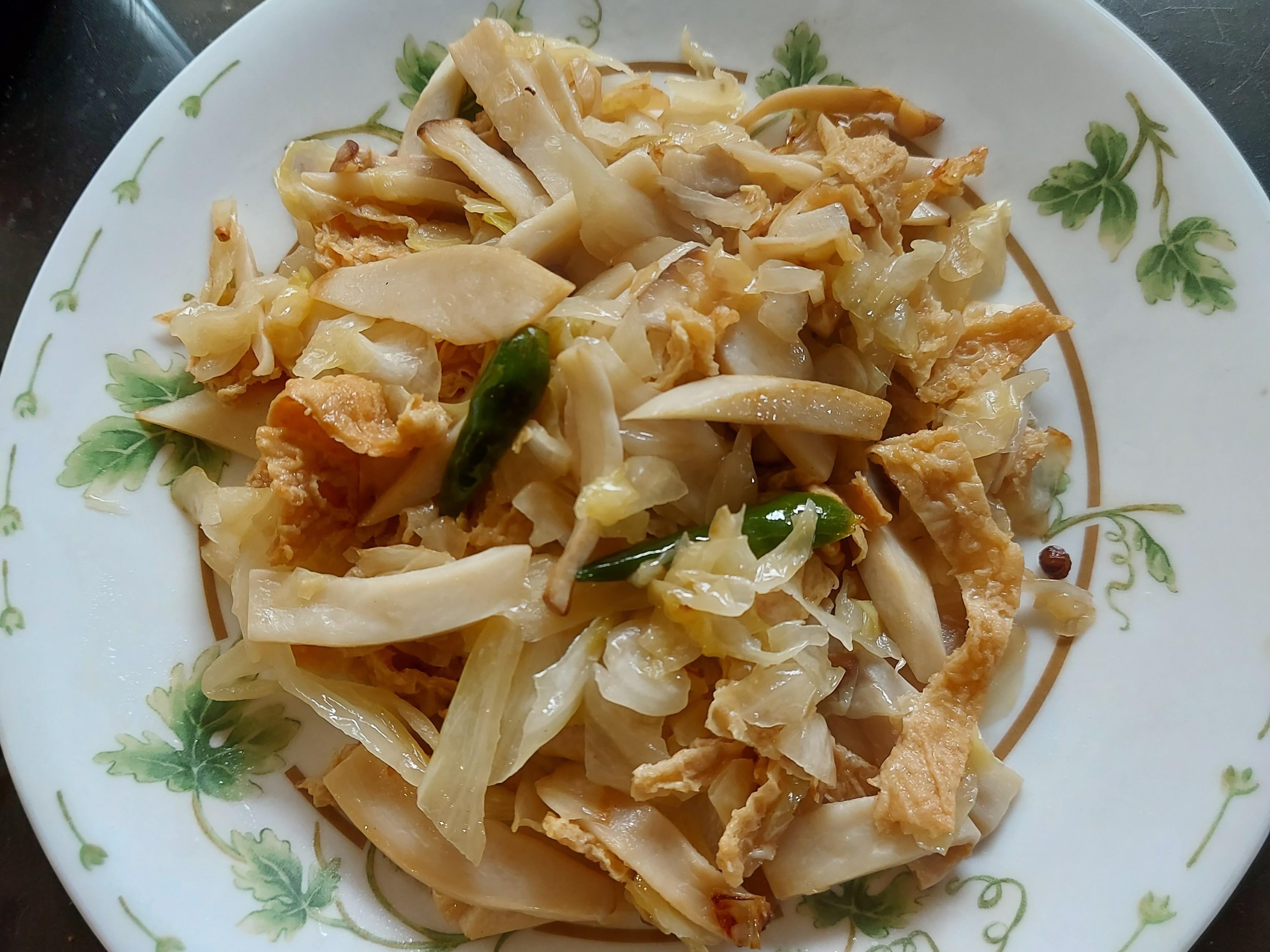 德式酸菜 炒 豆皮杏鮑菇