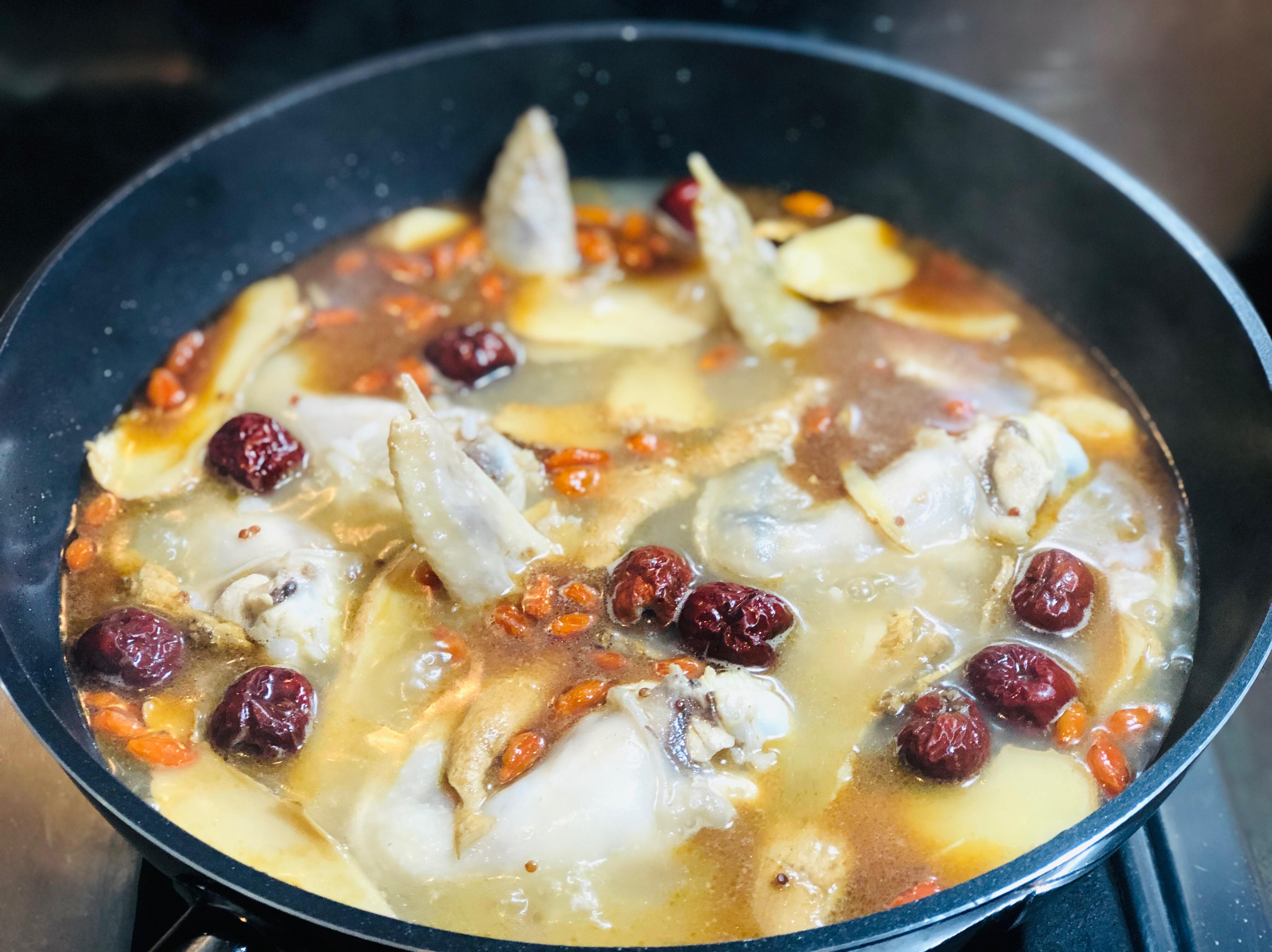 麻油薑母雞湯+藜麥