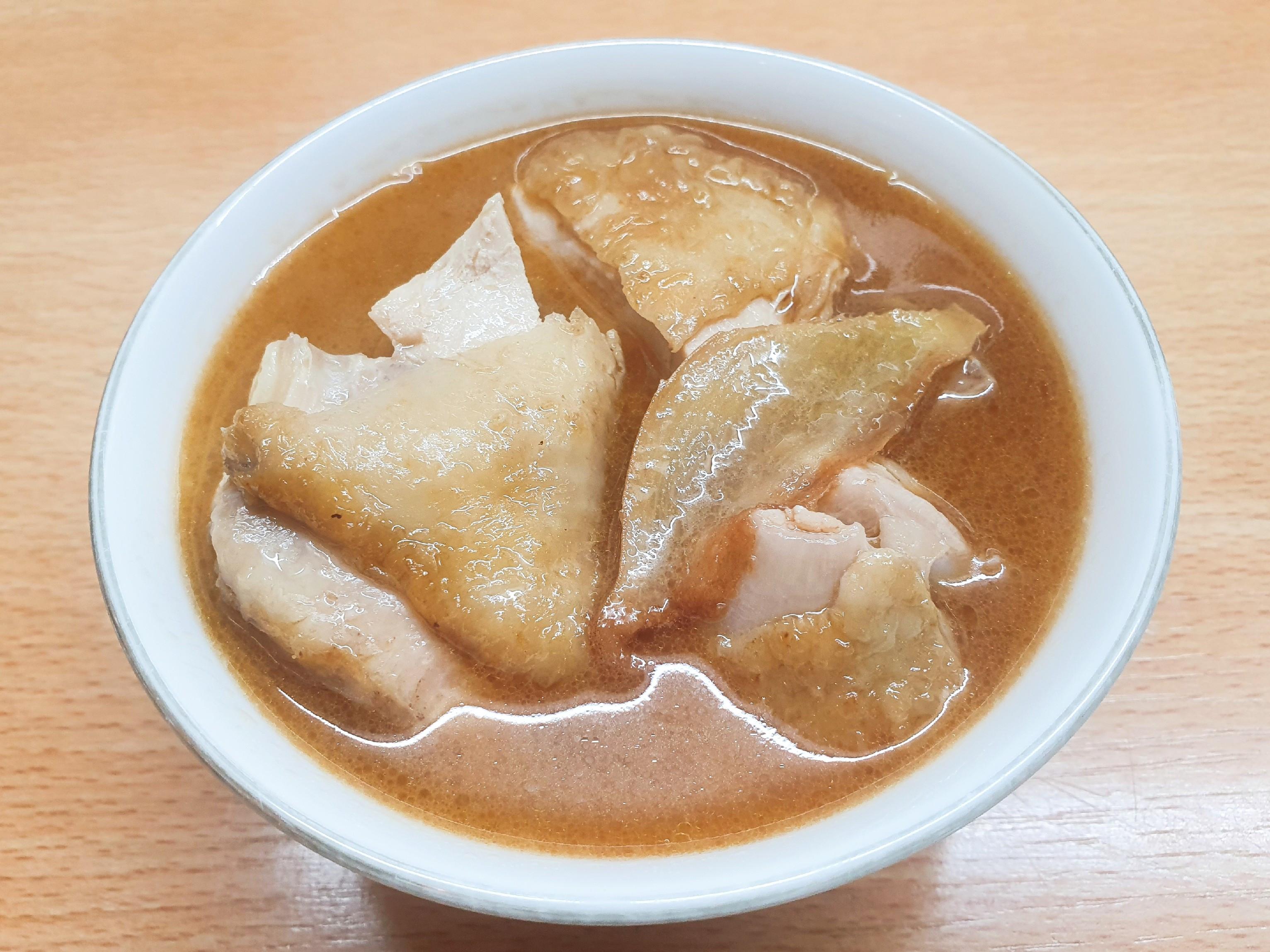 無骨麻油雞湯