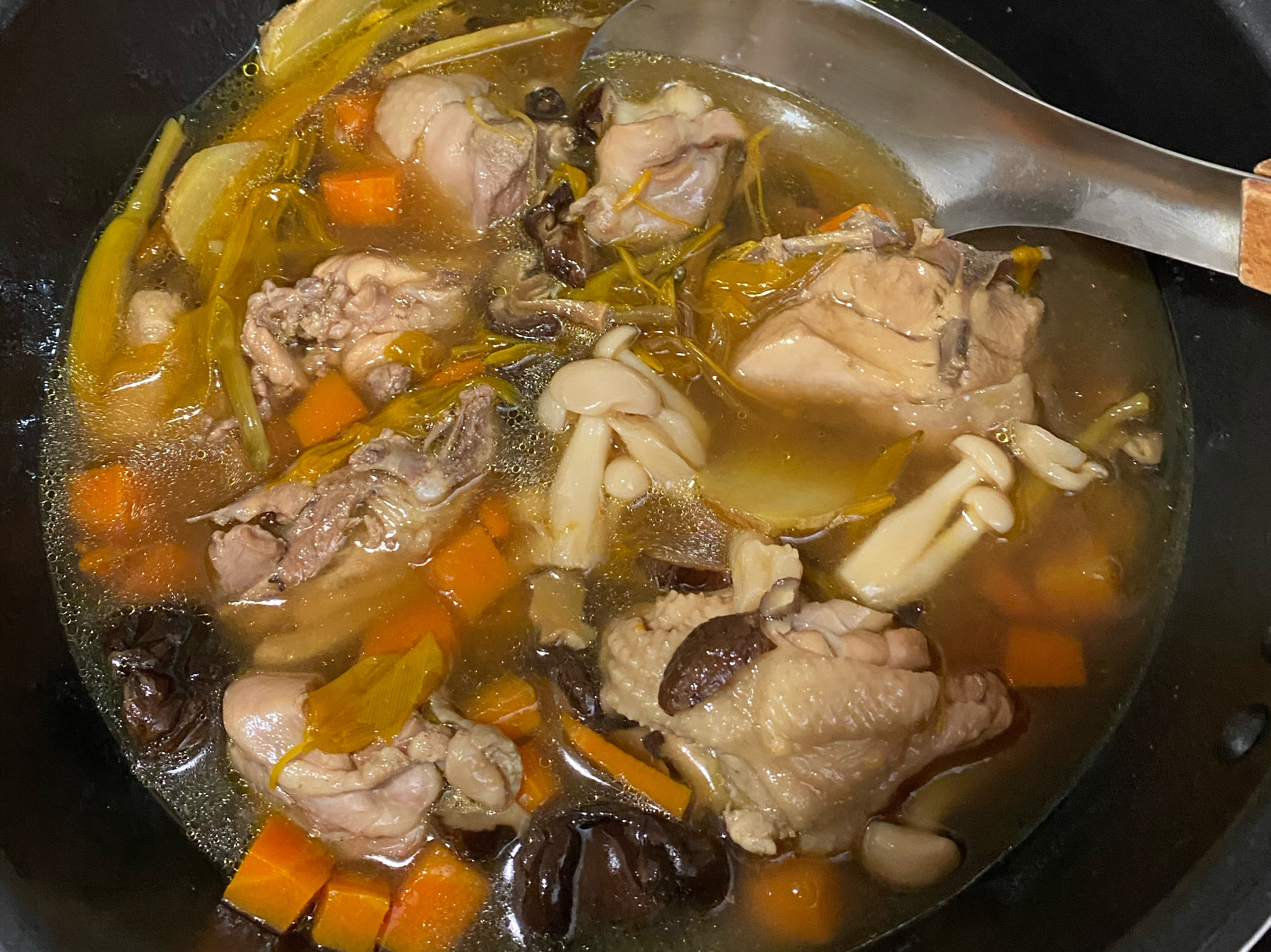 《寶貝保暖》香菇雞湯
