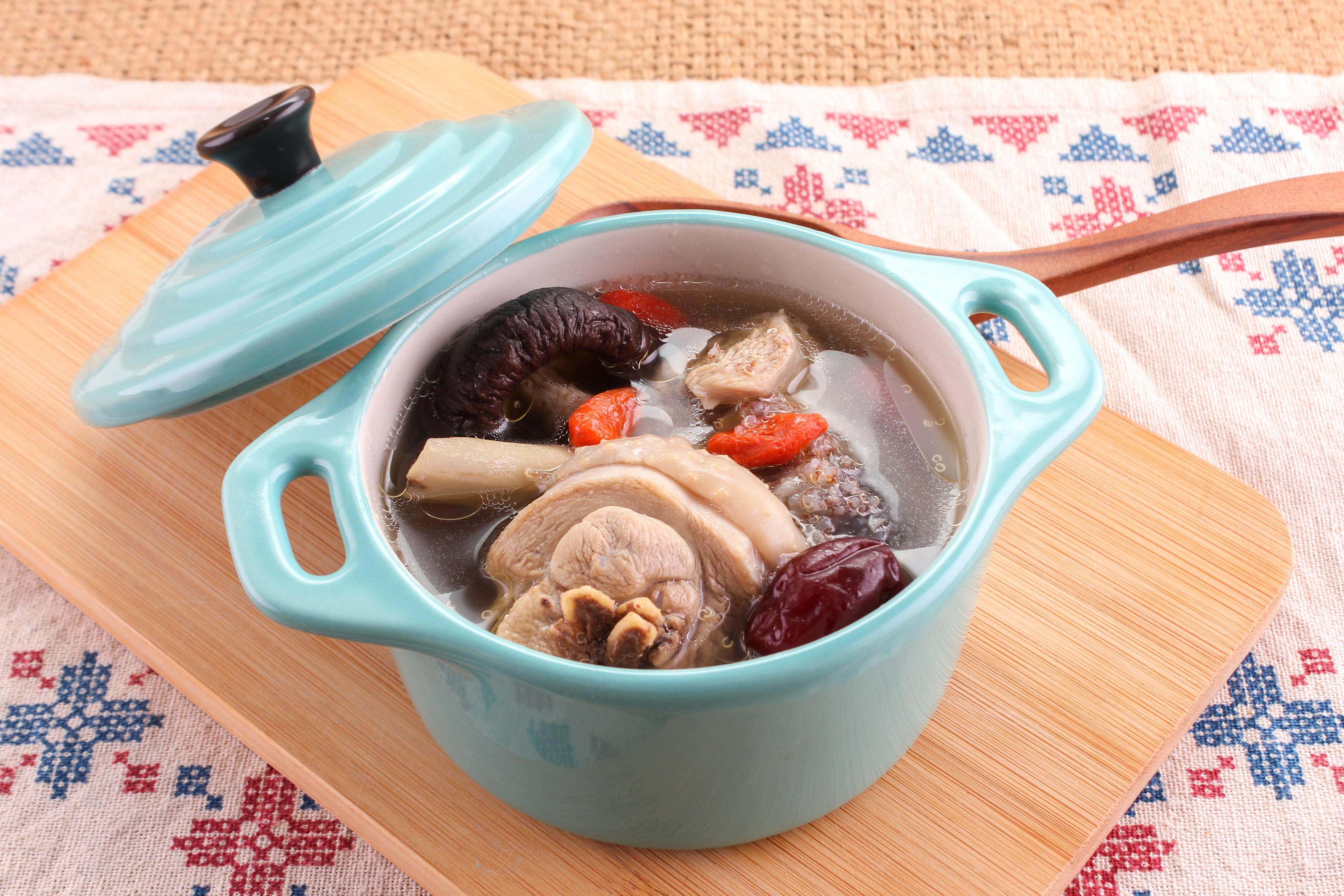 【厚生廚房】紅藜蔘雞湯