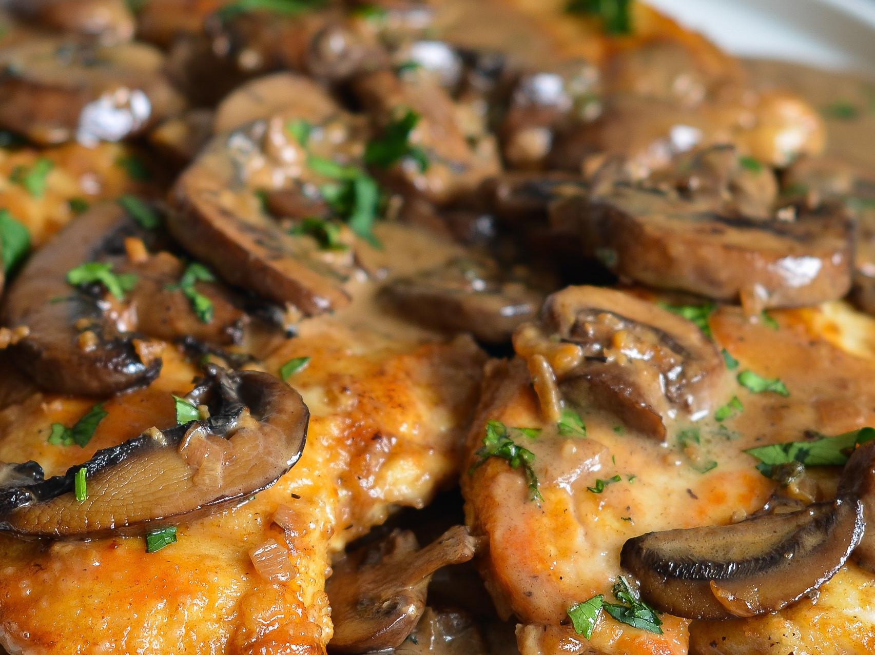 義大利風味~馬莎拉蘑菇雞肉