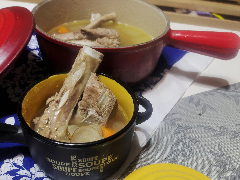 紅蘿蔔牛蒡排骨法式燉湯