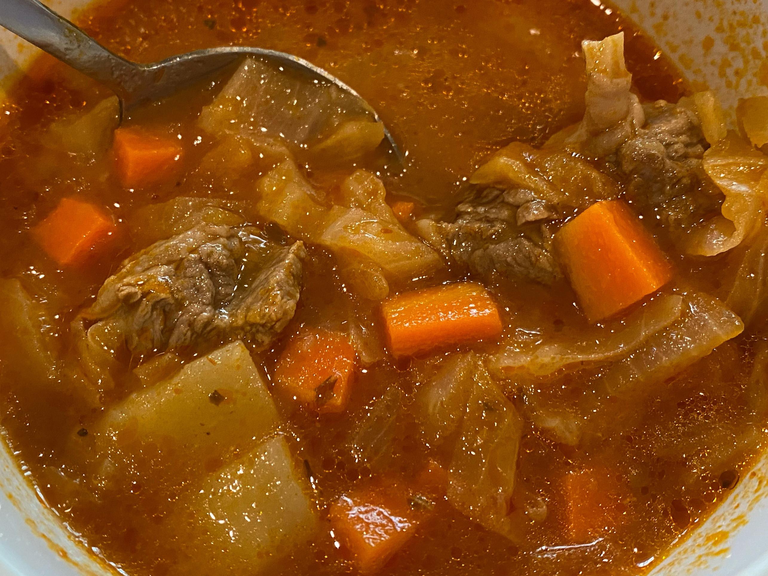 《媽媽的深夜食堂》義式番茄牛腩湯