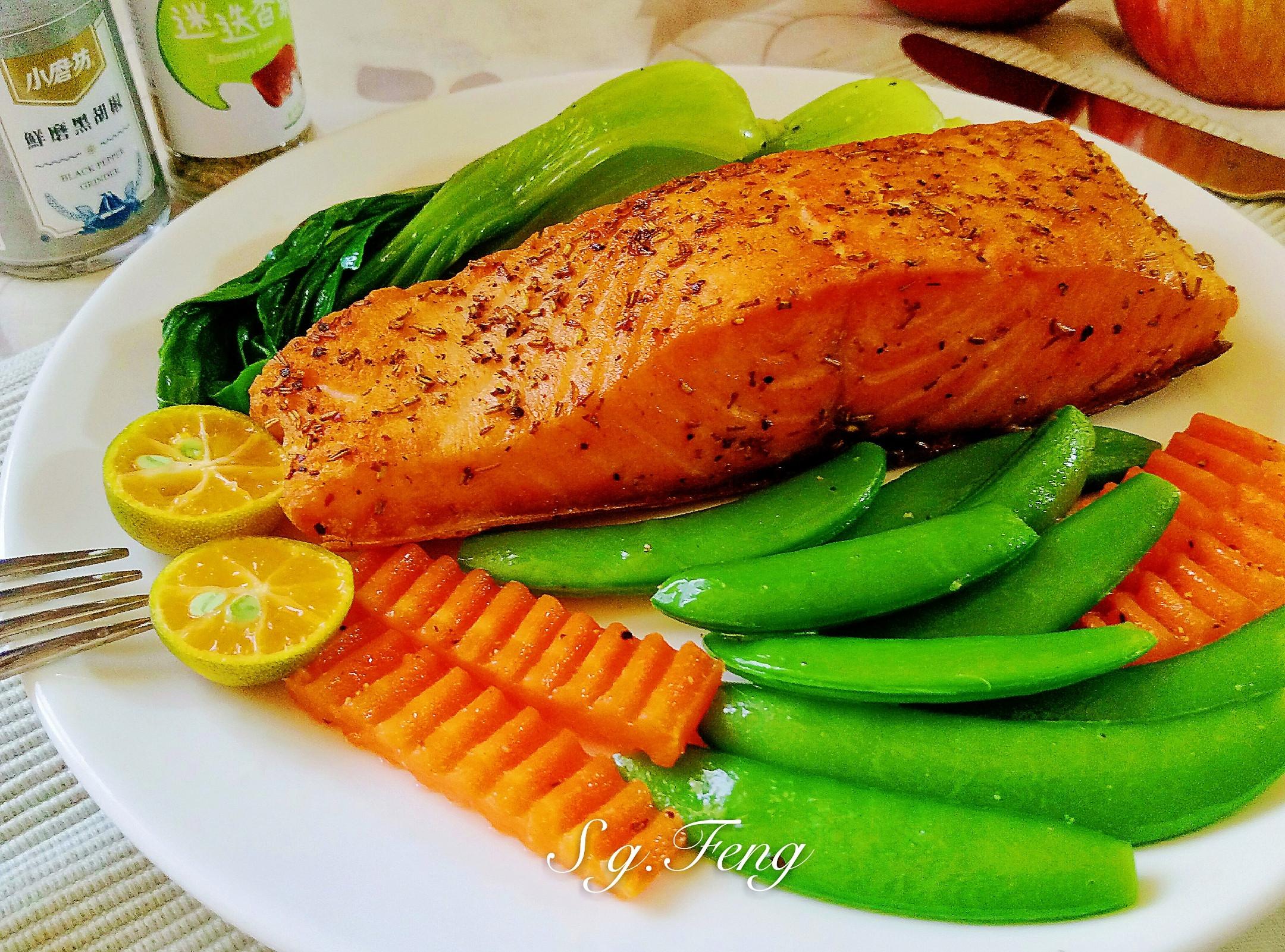 迷迭香鮭魚菲力