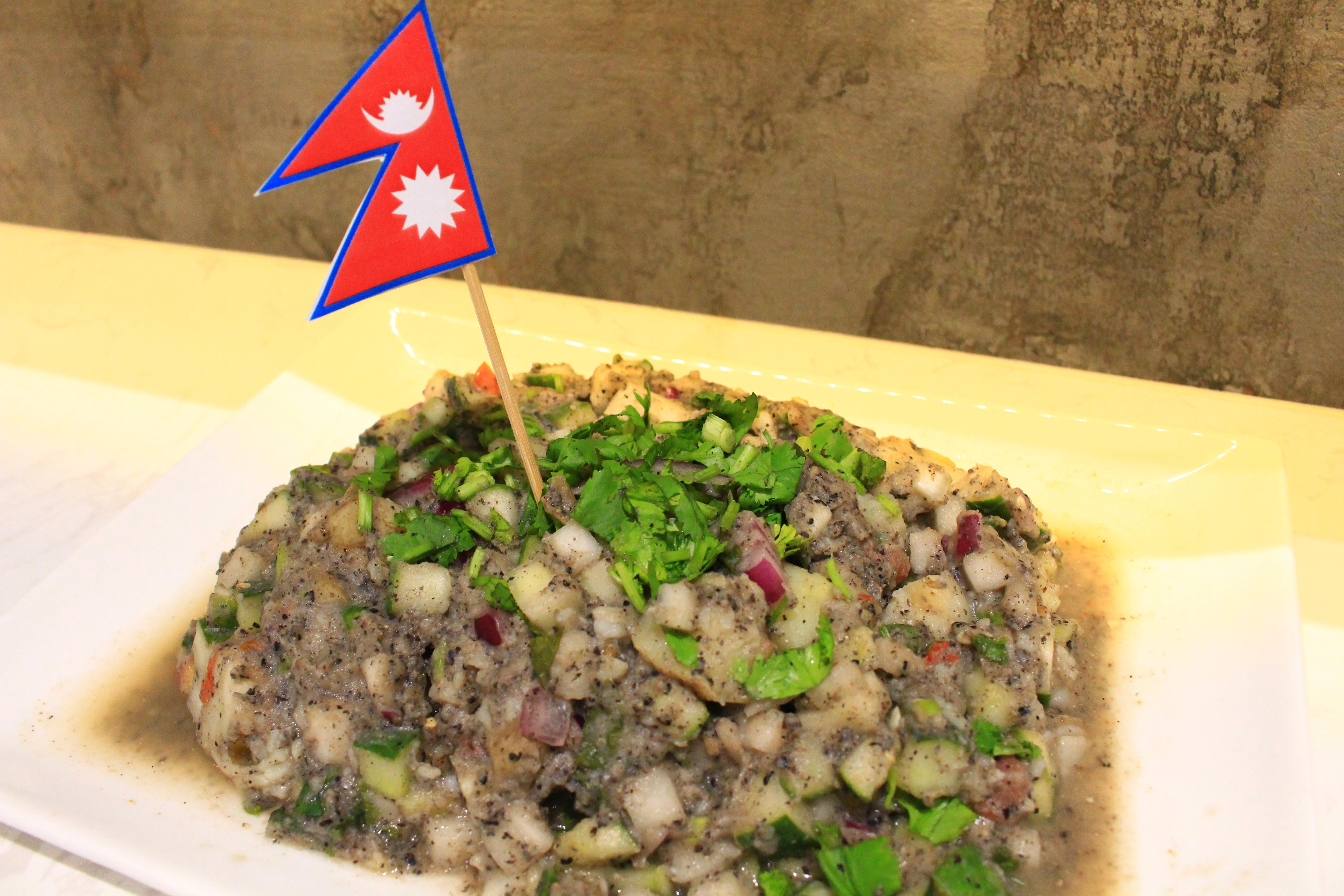 尼泊爾烤肉及馬鈴薯沙拉