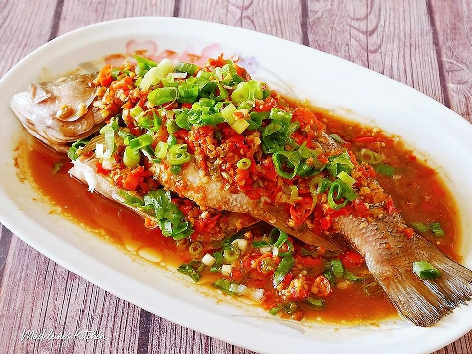 香辣剁椒鱸魚