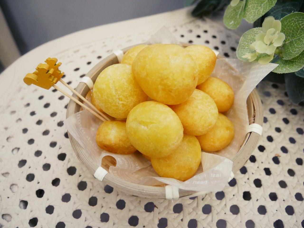 夜市小吃「QQ地瓜球」電烤盤也能完成。