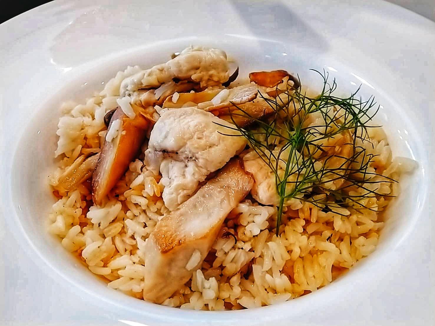 鑄鐵鍋料理- 野菇麻油雞飯