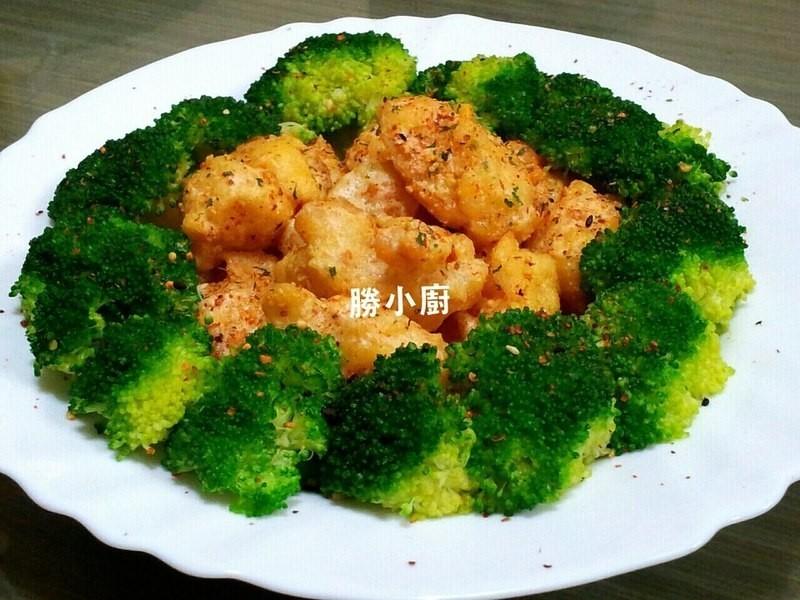 【健康廚房 黃金大廚10分鐘出年菜】金沙蝦球