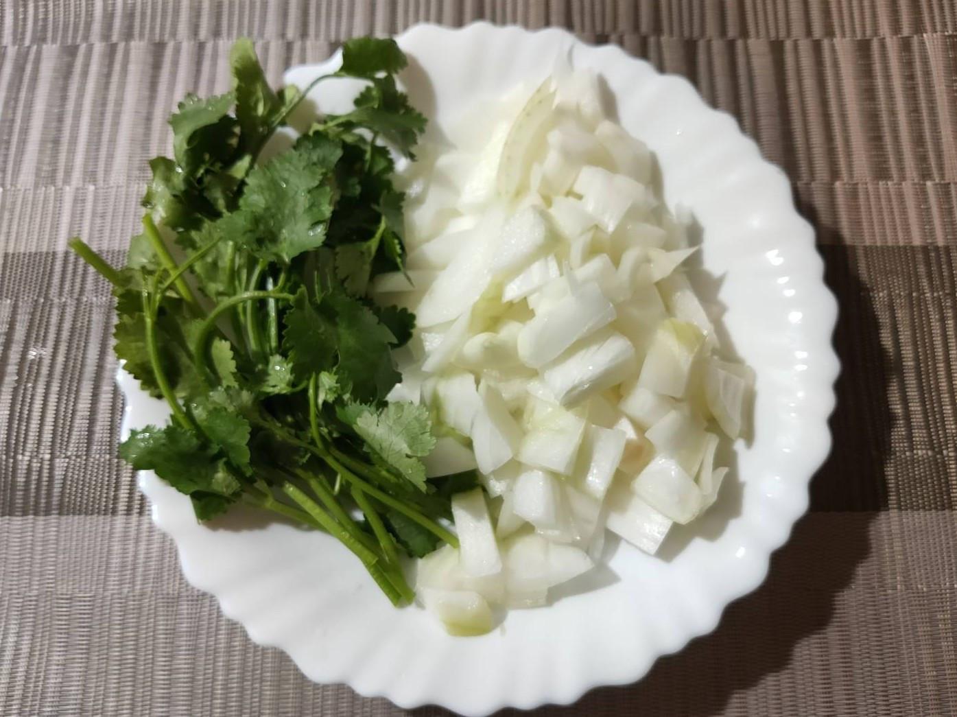 簡易^_^洋蔥香菜炒蛋