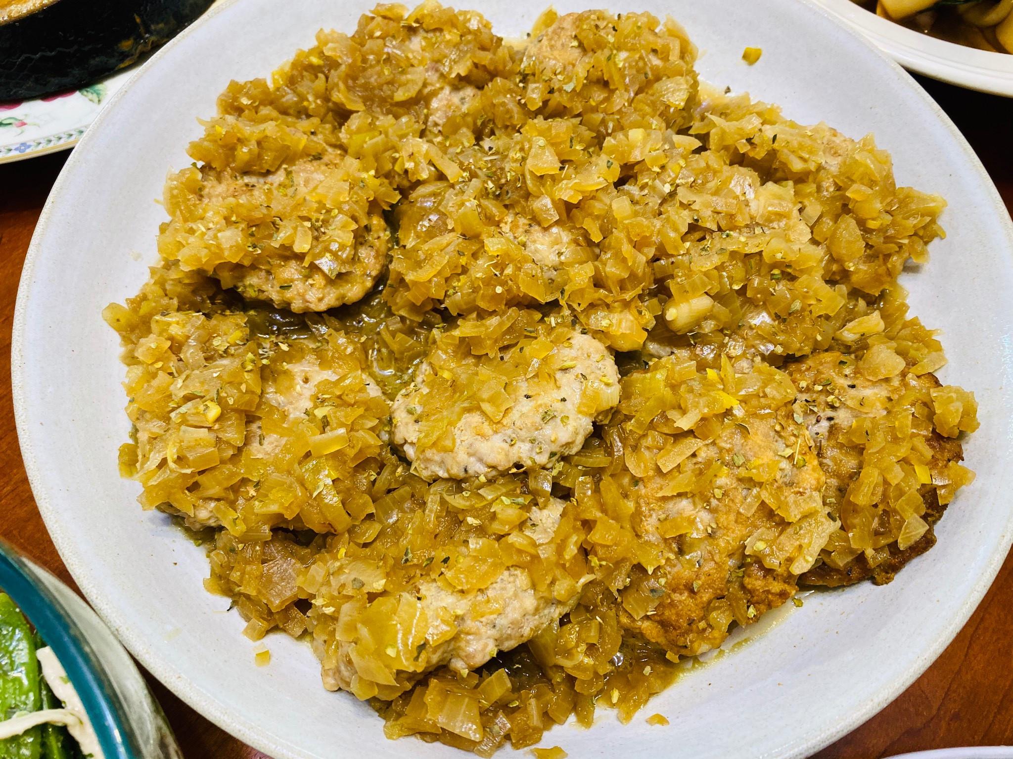 下飯料理:軟爛洋蔥醬肉餅