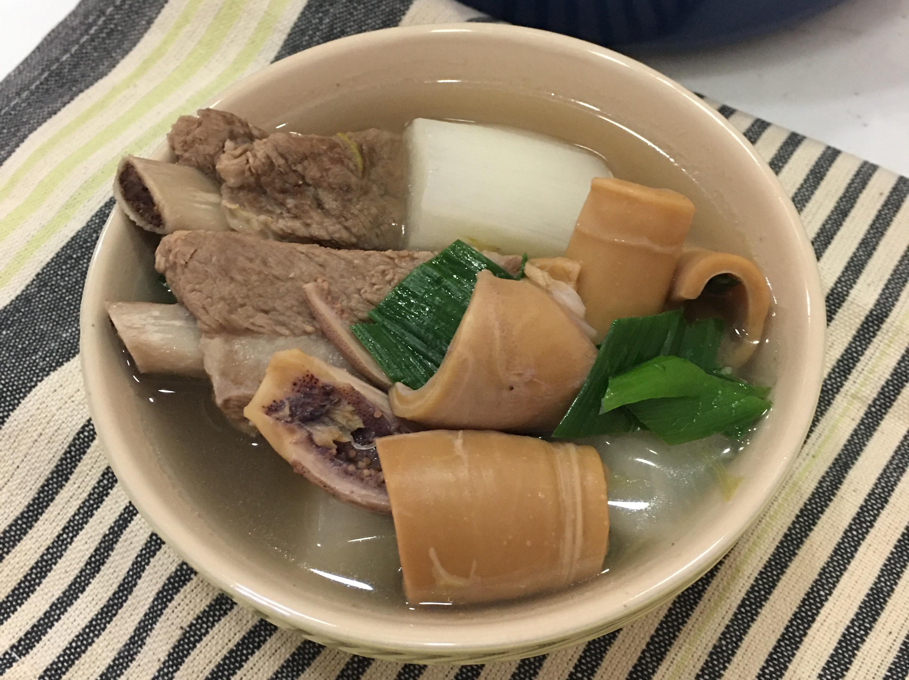 魷魚🦑蘿蔔排骨湯