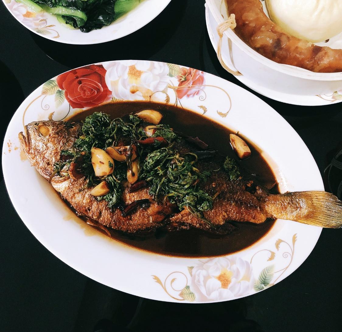 「老爸拿手菜」鮮香味美的紅燒黃花魚