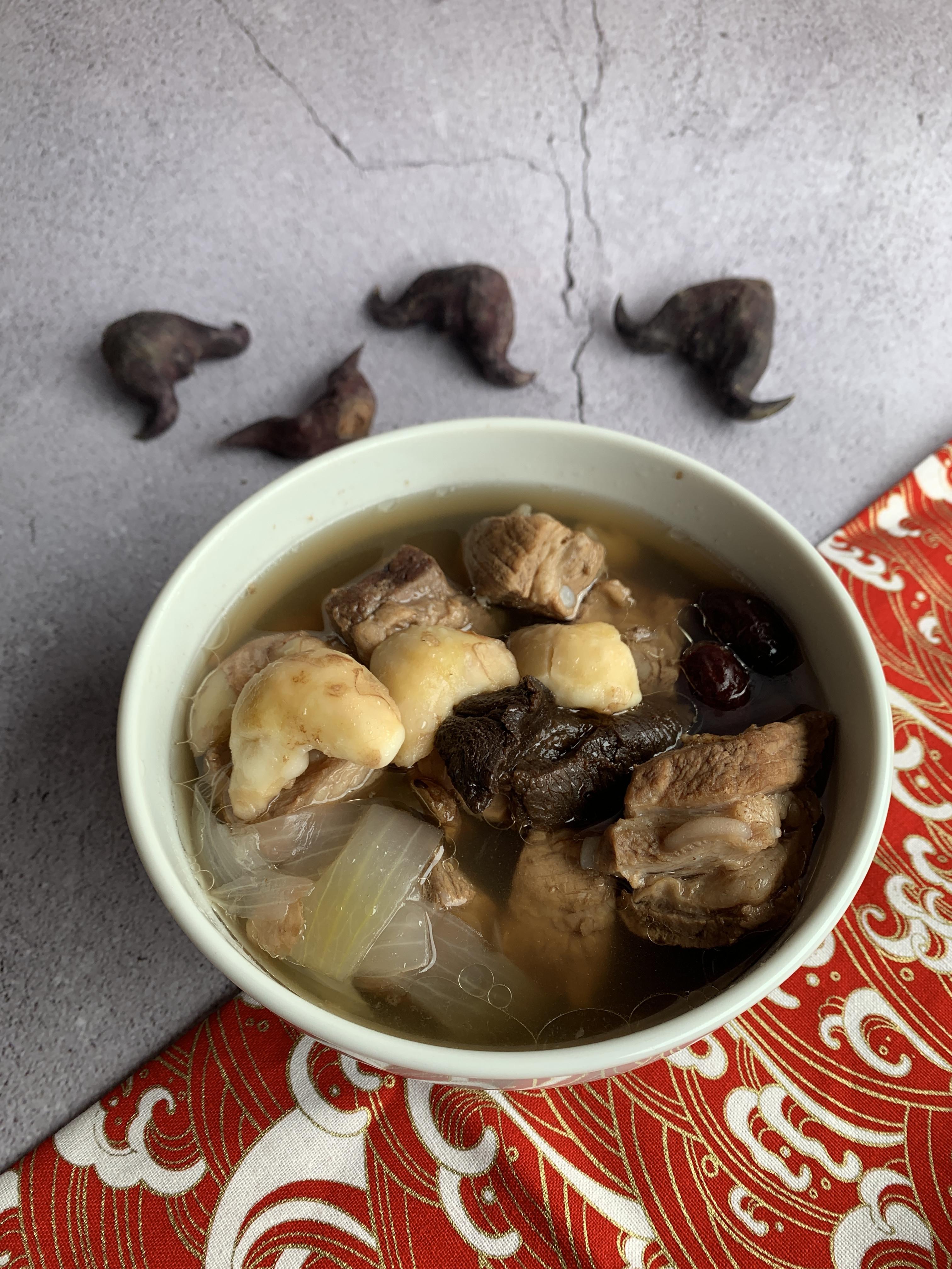 老菜脯菱角排骨湯