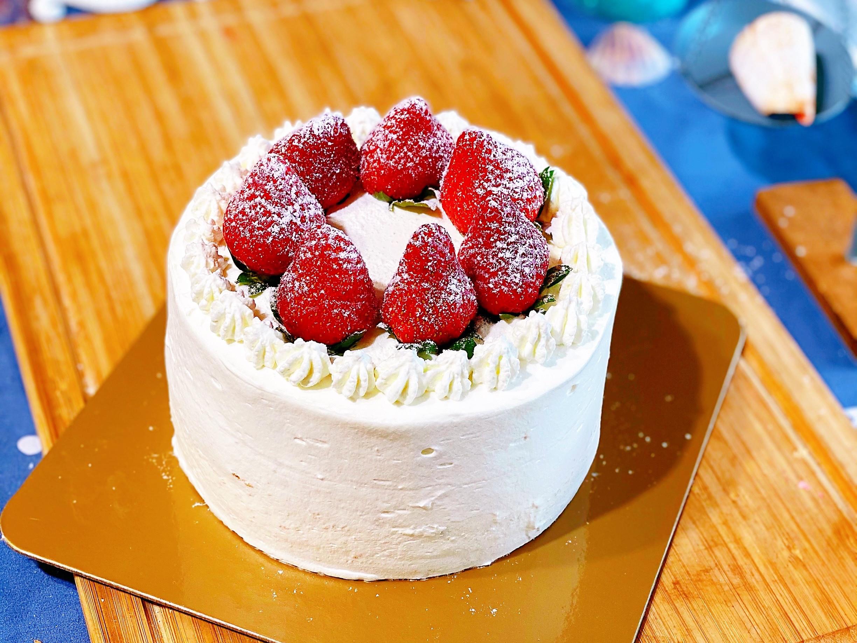 草莓芋泥布丁鮮奶油蛋糕