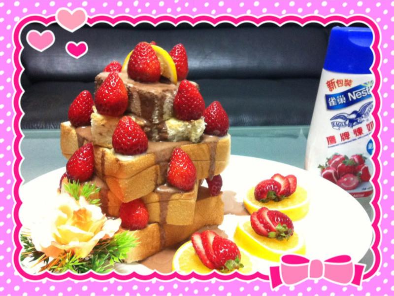 《草莓就愛鷹牌煉奶》人氣草莓蜜糖吐司
