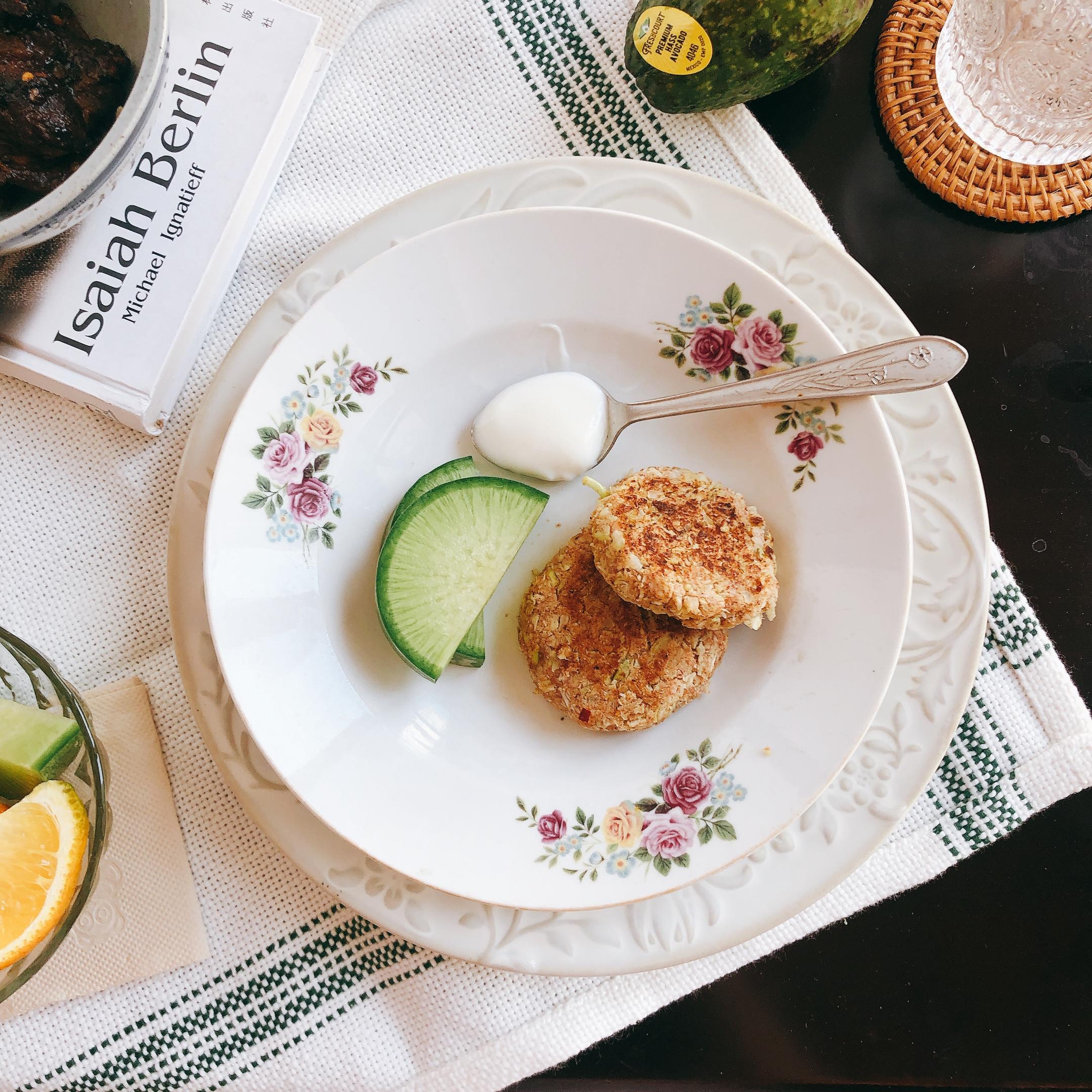 「生酮飲食」无面粉的花菜煎饼 低碳主食