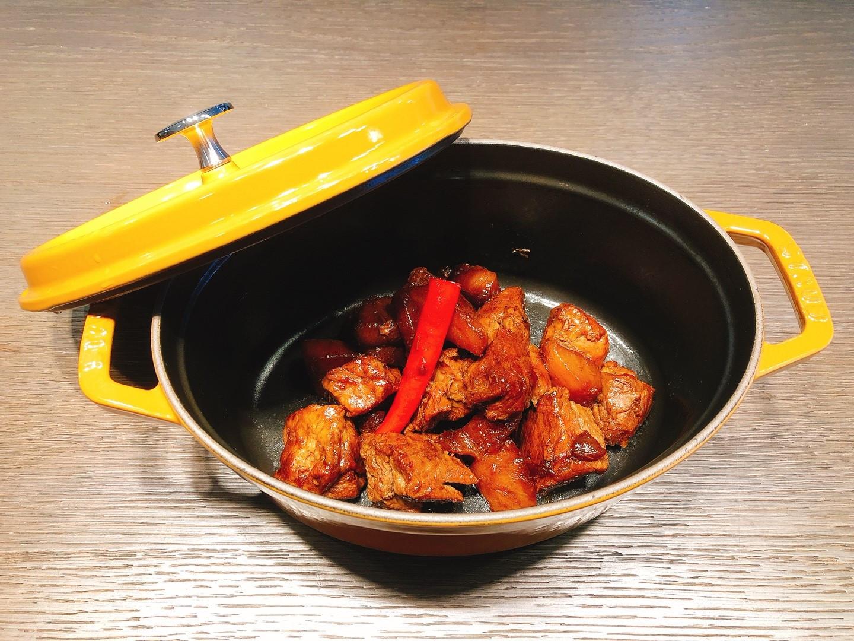 鑄鐵鍋食譜 -蘿蔔五香燒豬