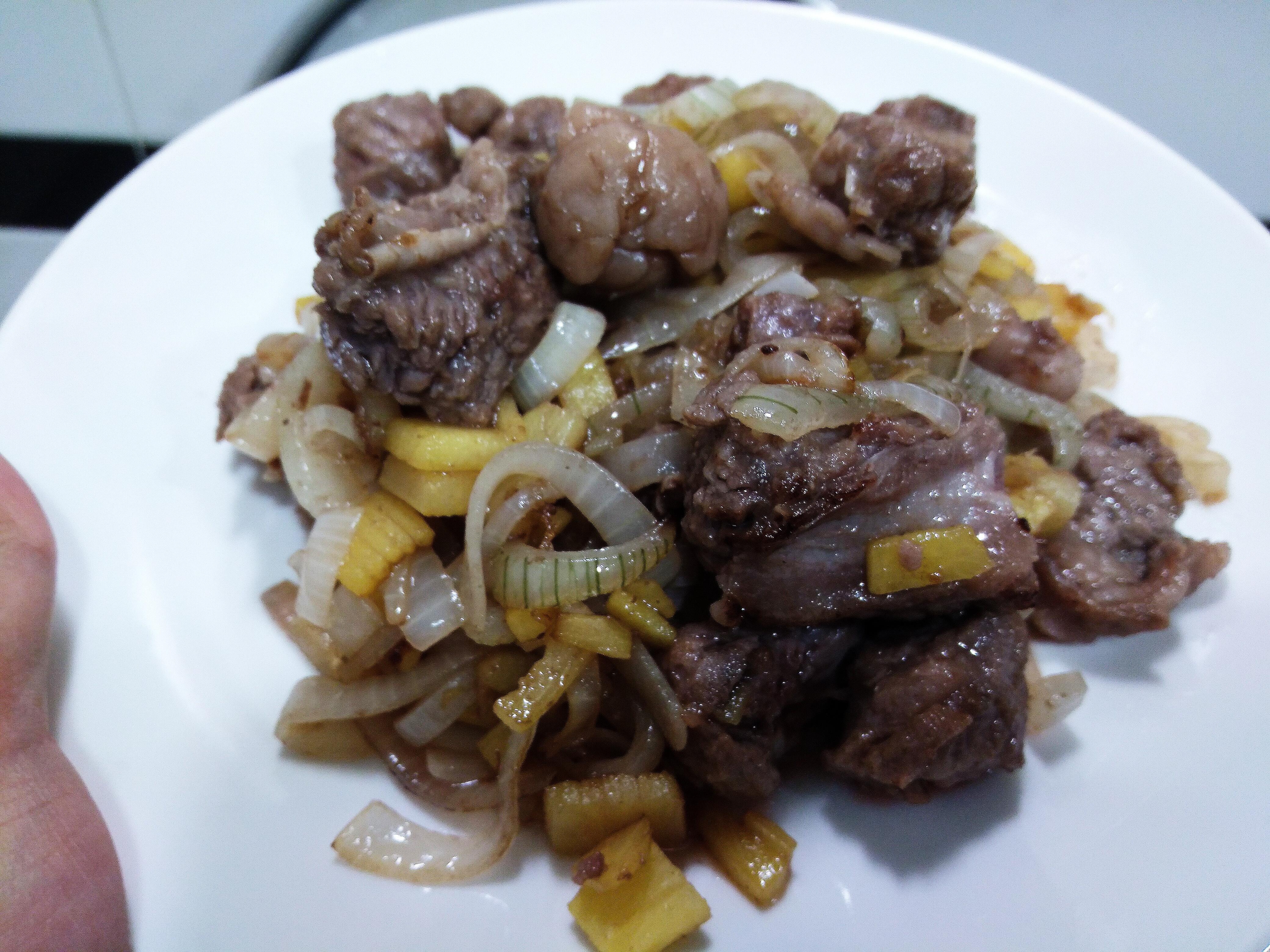 鳳梨心炒牛肉塊(四種材料)