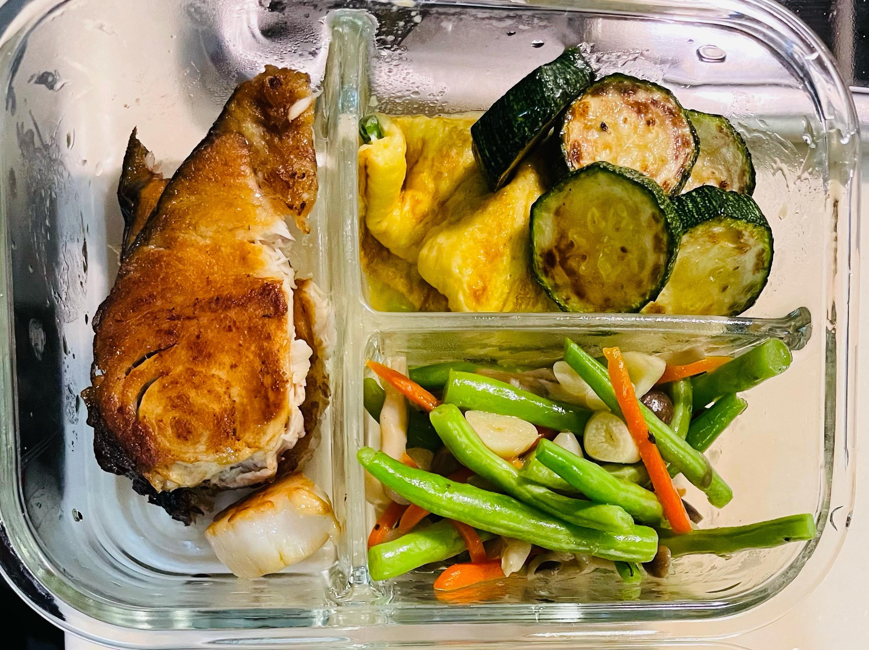 香煎土魠魚蔬蛋減醣便當