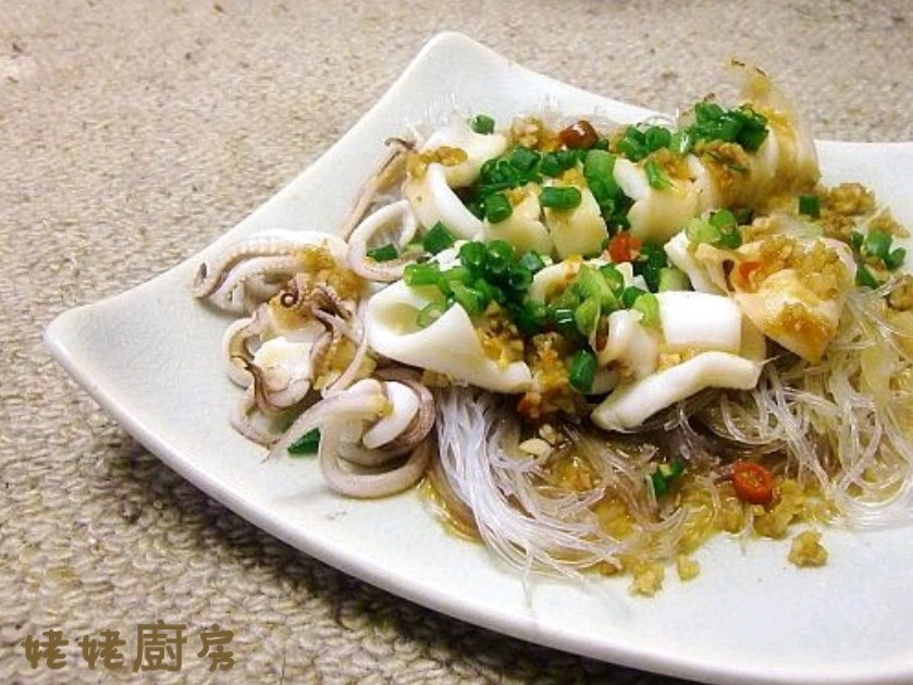 蒜蓉粉絲蒸魷魚