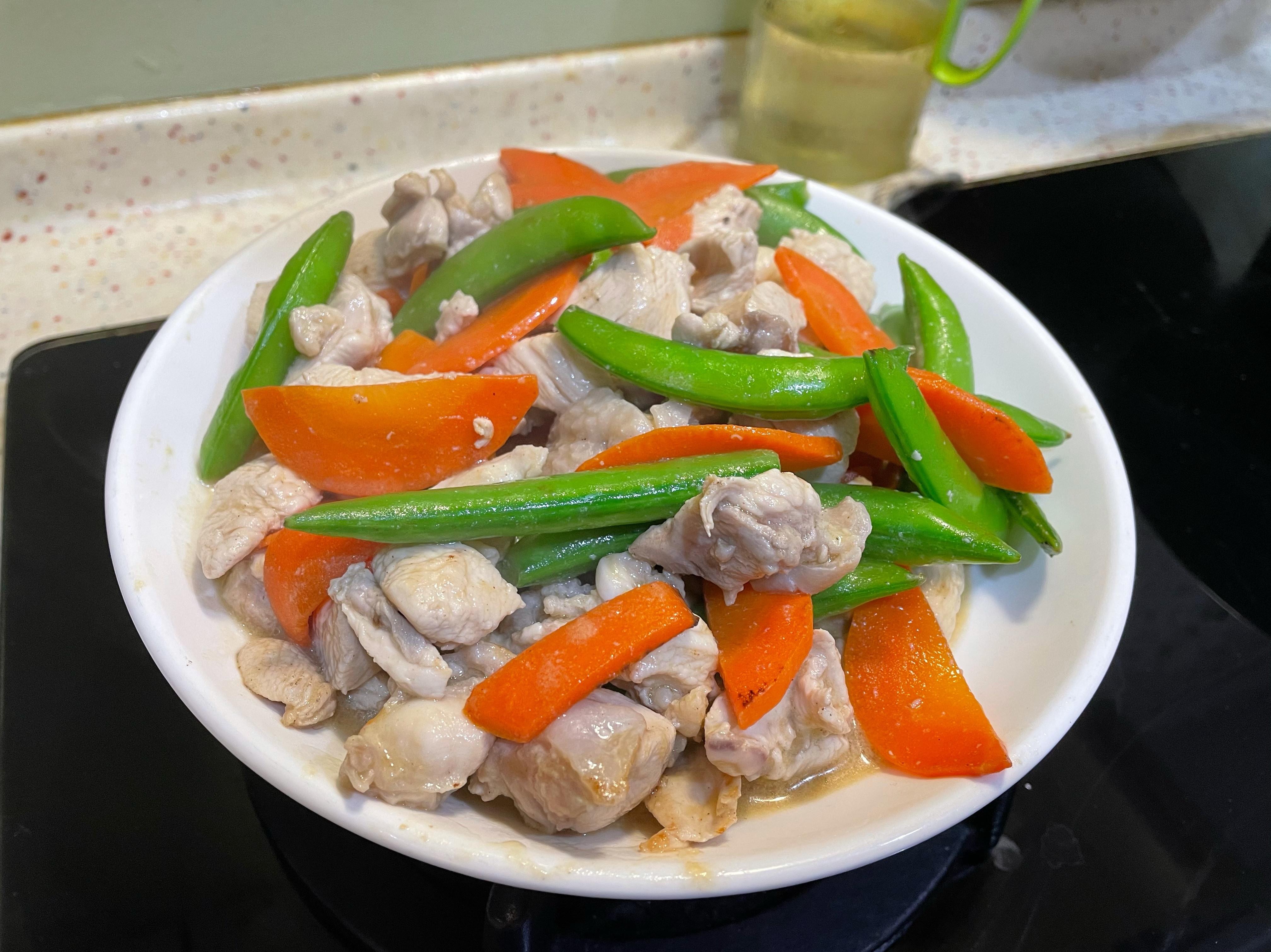 豌豆炒雞胸肉