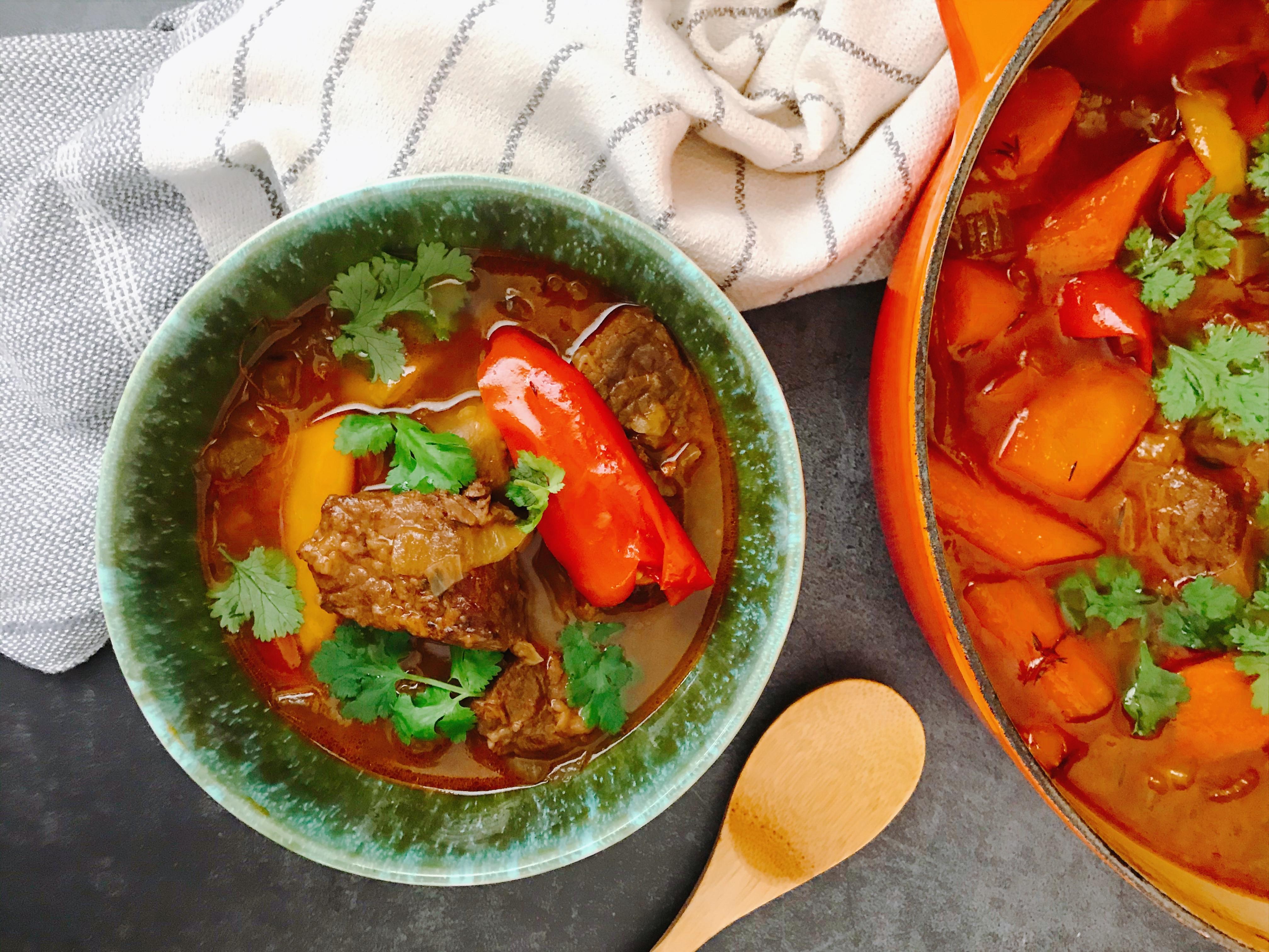 【 檀島人妻】匈牙利紅椒燉牛肉湯