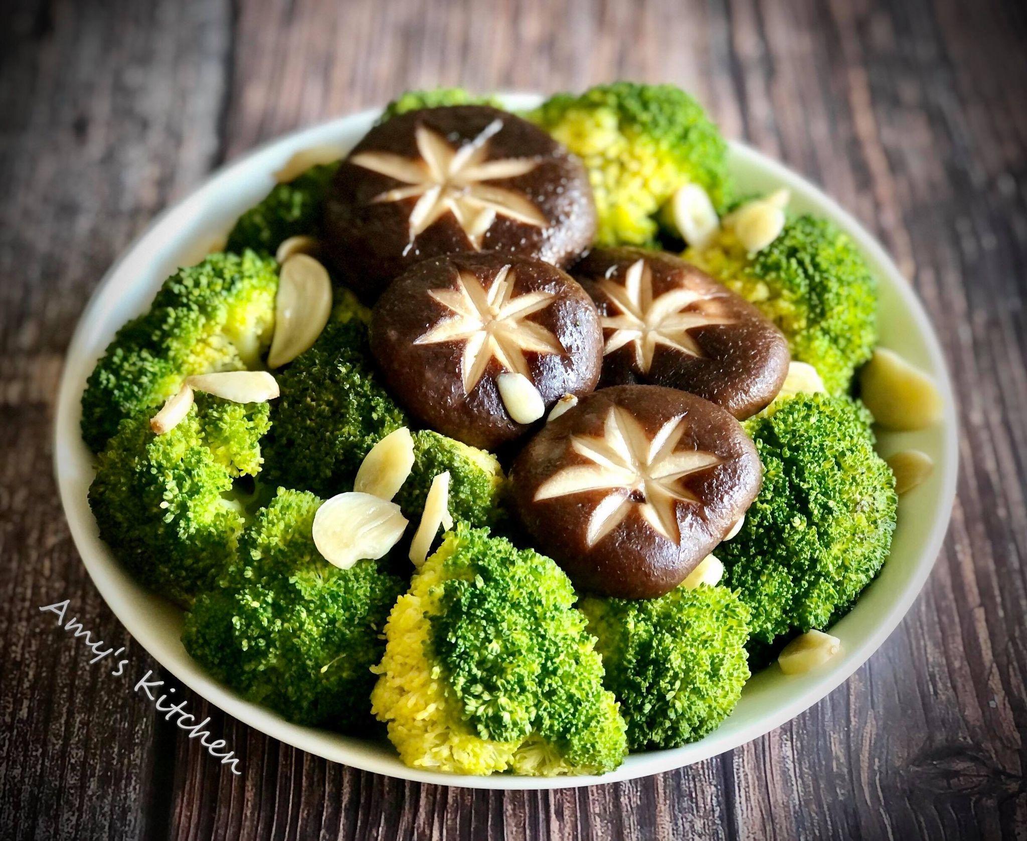 鮮菇炒綠花椰 (青花菜)